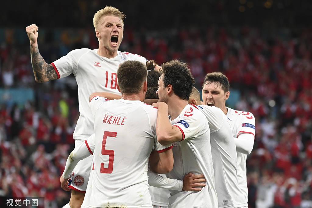 蓝军铁卫轰世界波 丹麦4-1俄罗斯奇迹出线