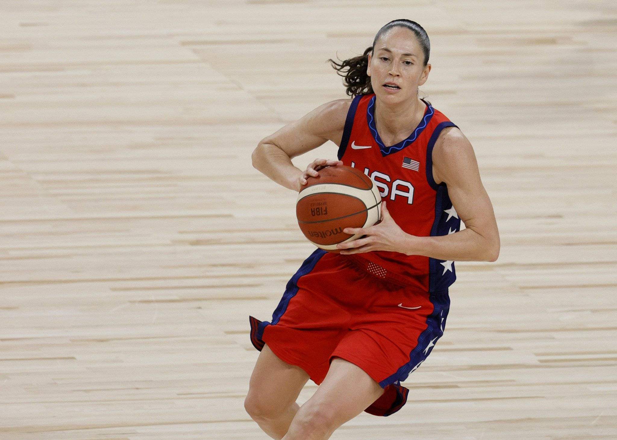 美国队开幕式旗手确定 奥运会女篮四金得主入选_大丰娱乐主管