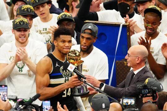 「独家」2021-2022赛季NBA总冠军赔率:篮网力压湖人勇士位列第一_酷游九州登录