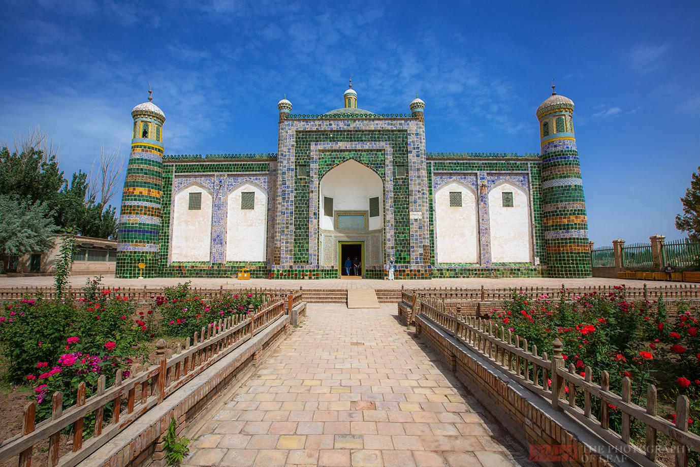 历史上真有香妃这个人吗?新疆喀什有座香妃墓,还原那段真实的历史