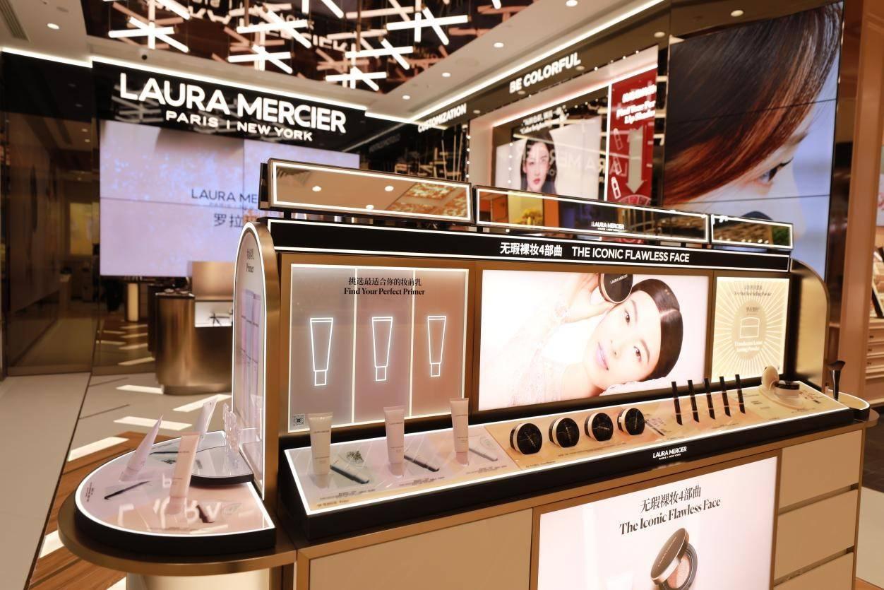风靡社交平台的Laura Mercier散粉线下开店了,浙江第一家就在武林银泰