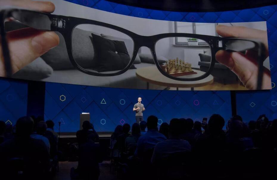 Facebook 人工智能研究开发更智能的机器人和AR 眼镜