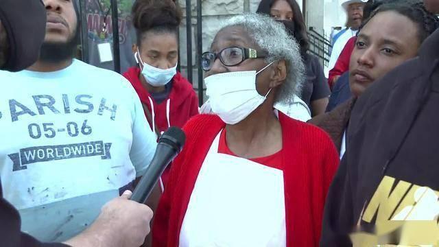 噩耗再次傳來!「跪死」黑人7天後,美國警察再殺人,母親:兒子像狗一樣被打死 !
