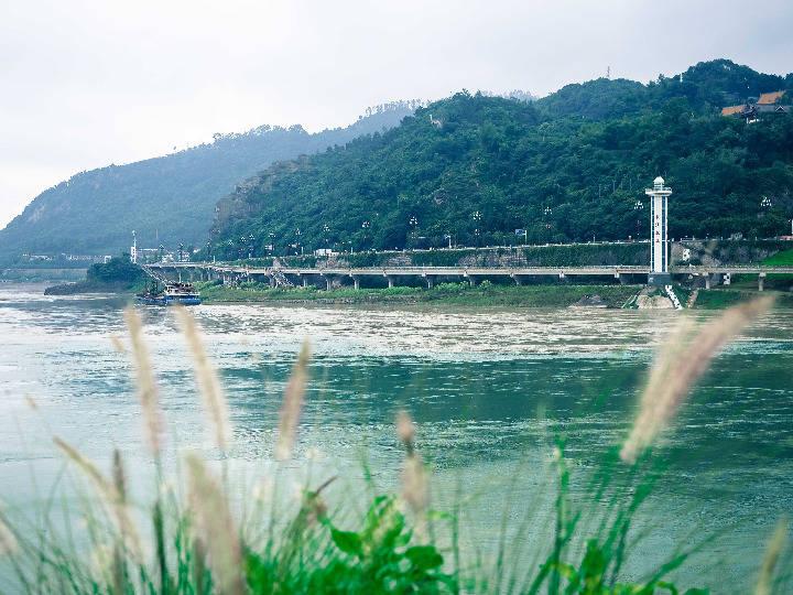 中国28万长江渔民将告别传统生活方式