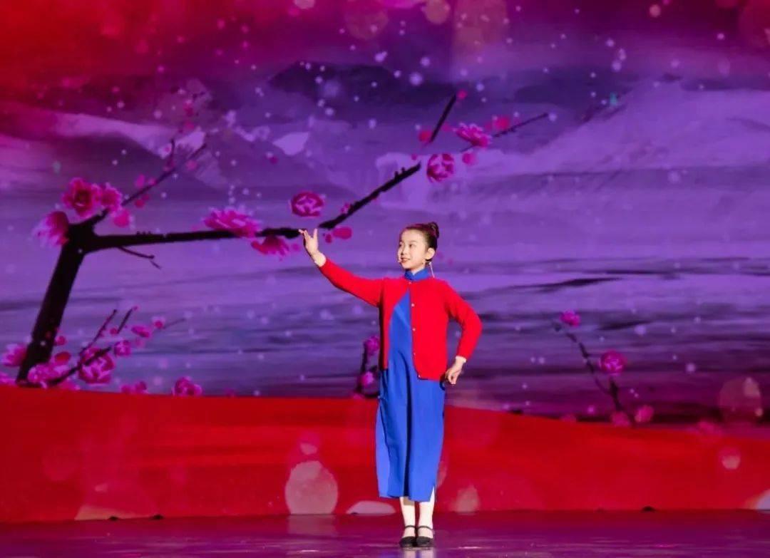 """连云港市举办第六届""""红色小讲解员"""" 大赛颁奖典礼"""