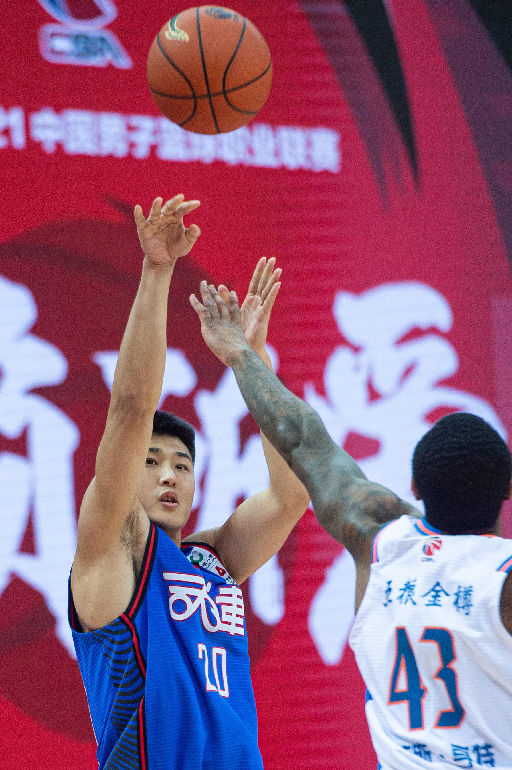 篮球——CBA第二阶段:四川五粮金樽胜天津先行者