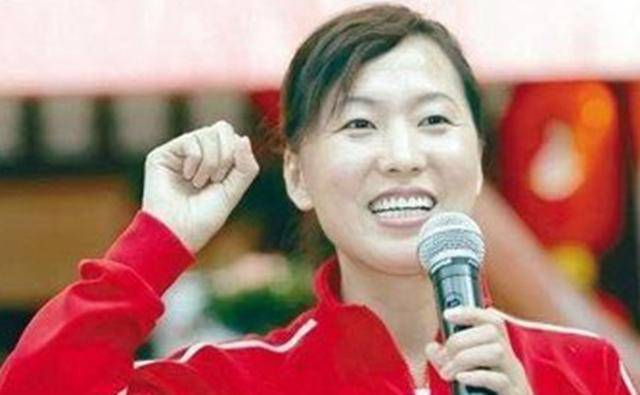 中国长跑首金得主王军霞,3次婚姻还曾净身出户,因兴奋剂退役