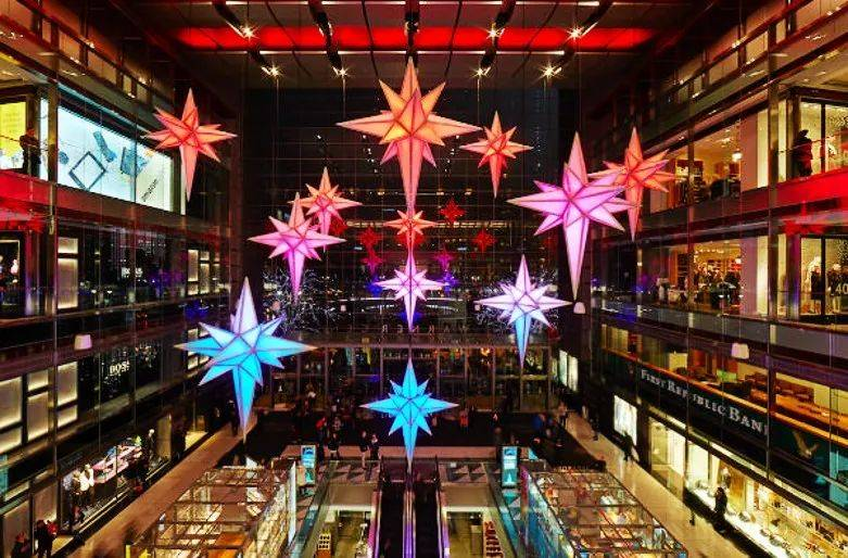 """纽约哥伦布圆环购物中心""""星星""""中庭装置"""