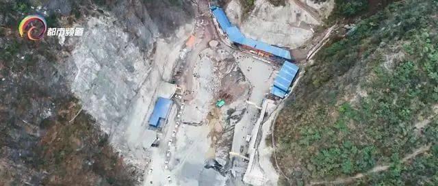 大永高速首条隧道顺利贯通