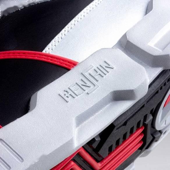 穿上你也能骑士踢!万代推出《假面骑士》主题时尚品牌