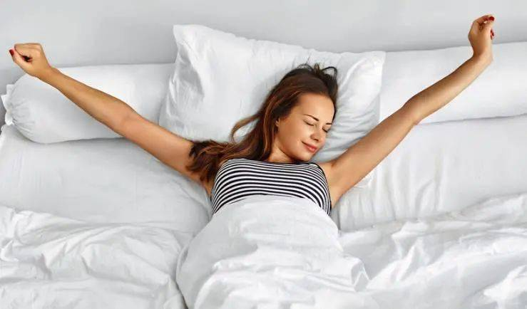 拉菲8代理:早晨醒来嘴巴又干又苦,这可能是疾病的征兆,别粗心