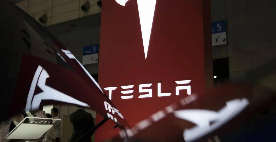 特斯拉因车身模具问题,召回1.23万辆Model X