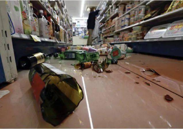 日本福岛近海发生7.3级地震 !现场视频曝光
