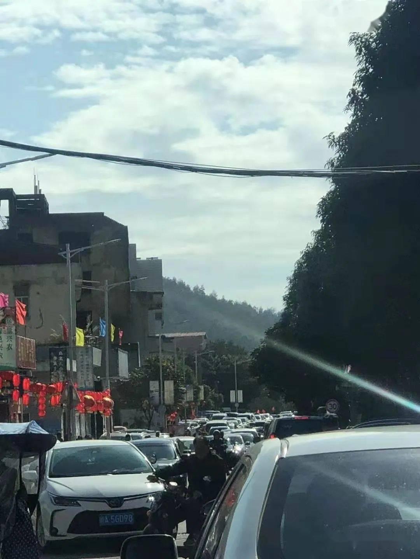 长乐这个网红景区堵到爆!当地人:连家都回不去了~