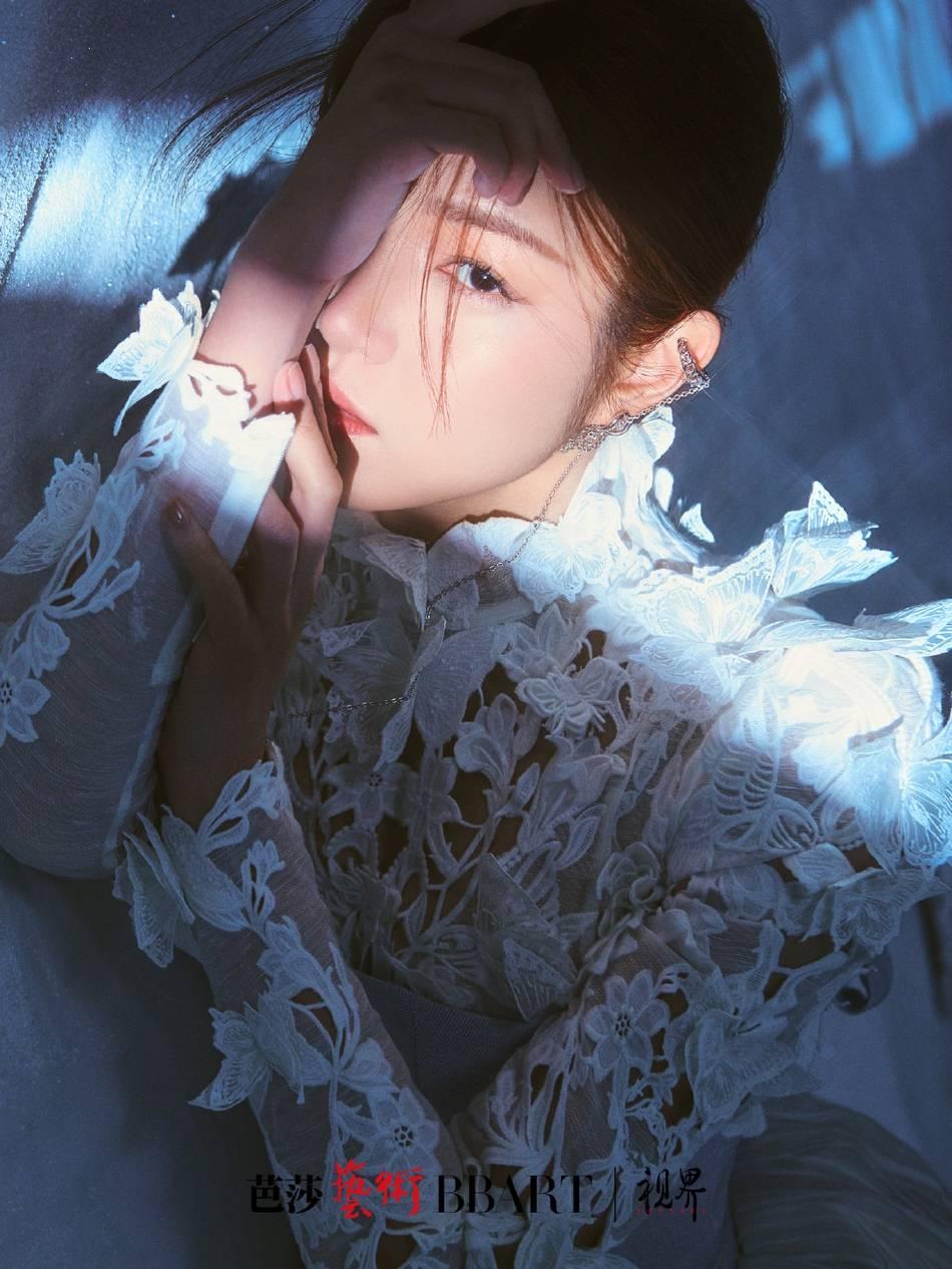 陈妍希纱裙造型 浪漫又清新
