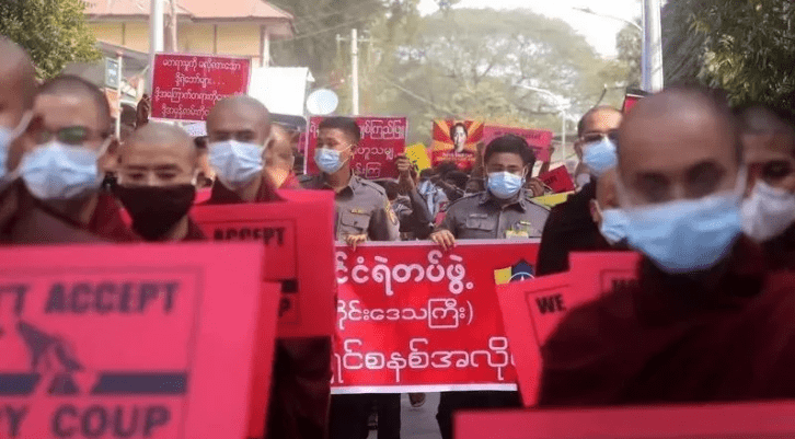 """缅甸再有示威者被抓,美国务卿警告缅军方""""将采取行动"""""""