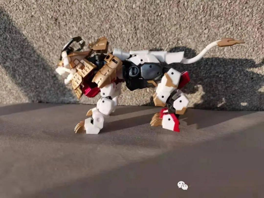【评玩具】子小天:岑测评《铁工厂 白狮,小比例省空间,一发不可收拾!》