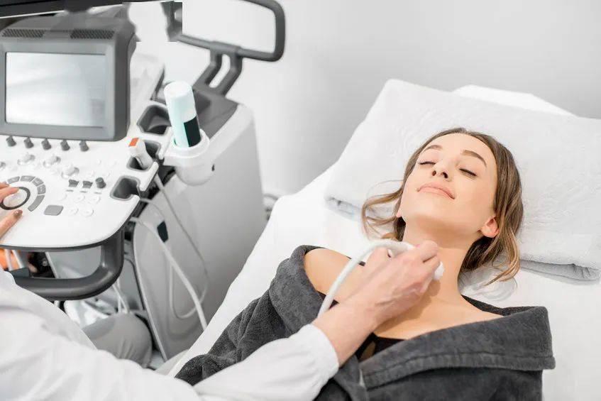 """甲状腺长了""""结节"""",一定要做手术吗?"""