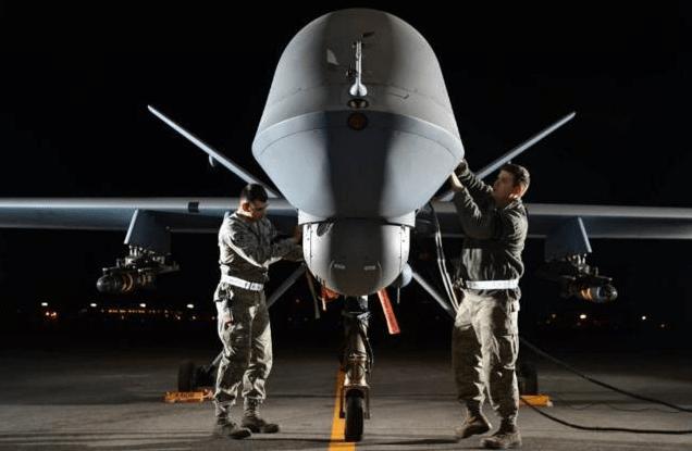 """伊朗展示新型无人机,满挂导弹外形酷似美国""""捕食者"""""""