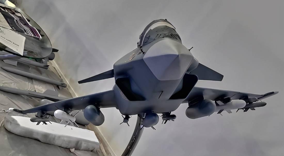 印度自研四代半战机压制歼20,性能虽差了半代,劣势已无法弥补