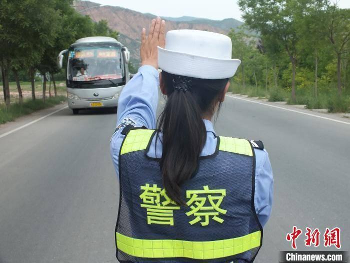 """甘肃试行""""学法减分"""":参加交通安全公益活动减免驾照记分"""