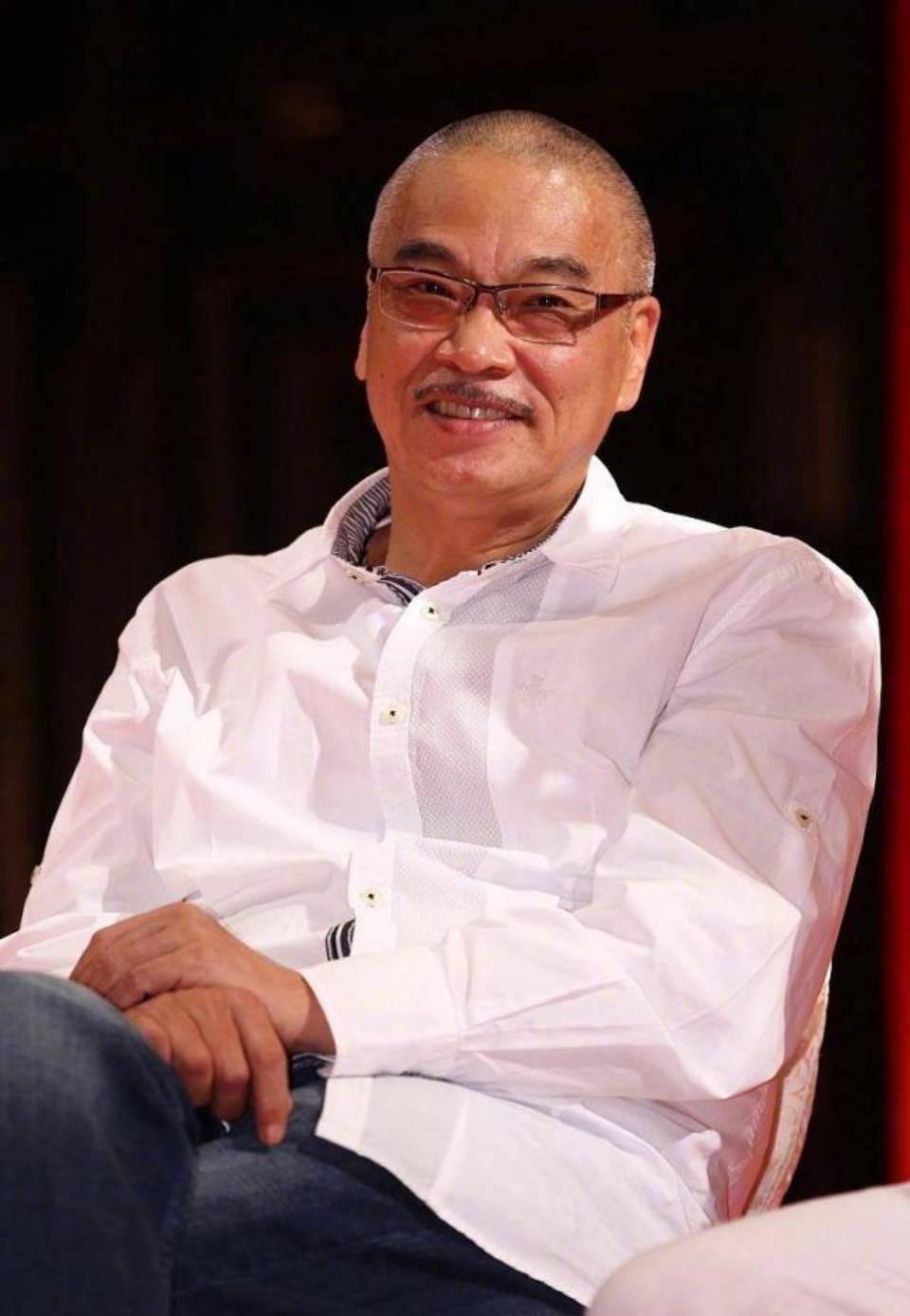 吴孟达因肝癌去世,享年70岁,因为走得太突然,来不及留下遗嘱 ,个人表示遗憾!个人很喜欢他和星爷的电影