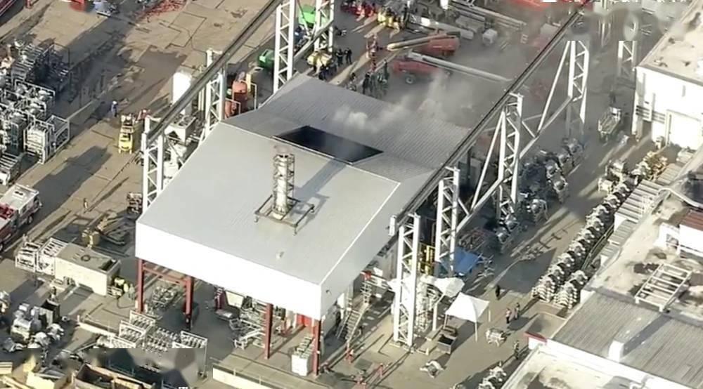 弗里蒙特工廠發生火災,消防員已到場響應