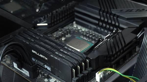 Intel 11代旗舰i9-11900K提前到手!波浪形包装盒吸睛的照片 - 17