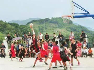 《四川日报》:体育扶贫 山沟沟里走出全国冠军