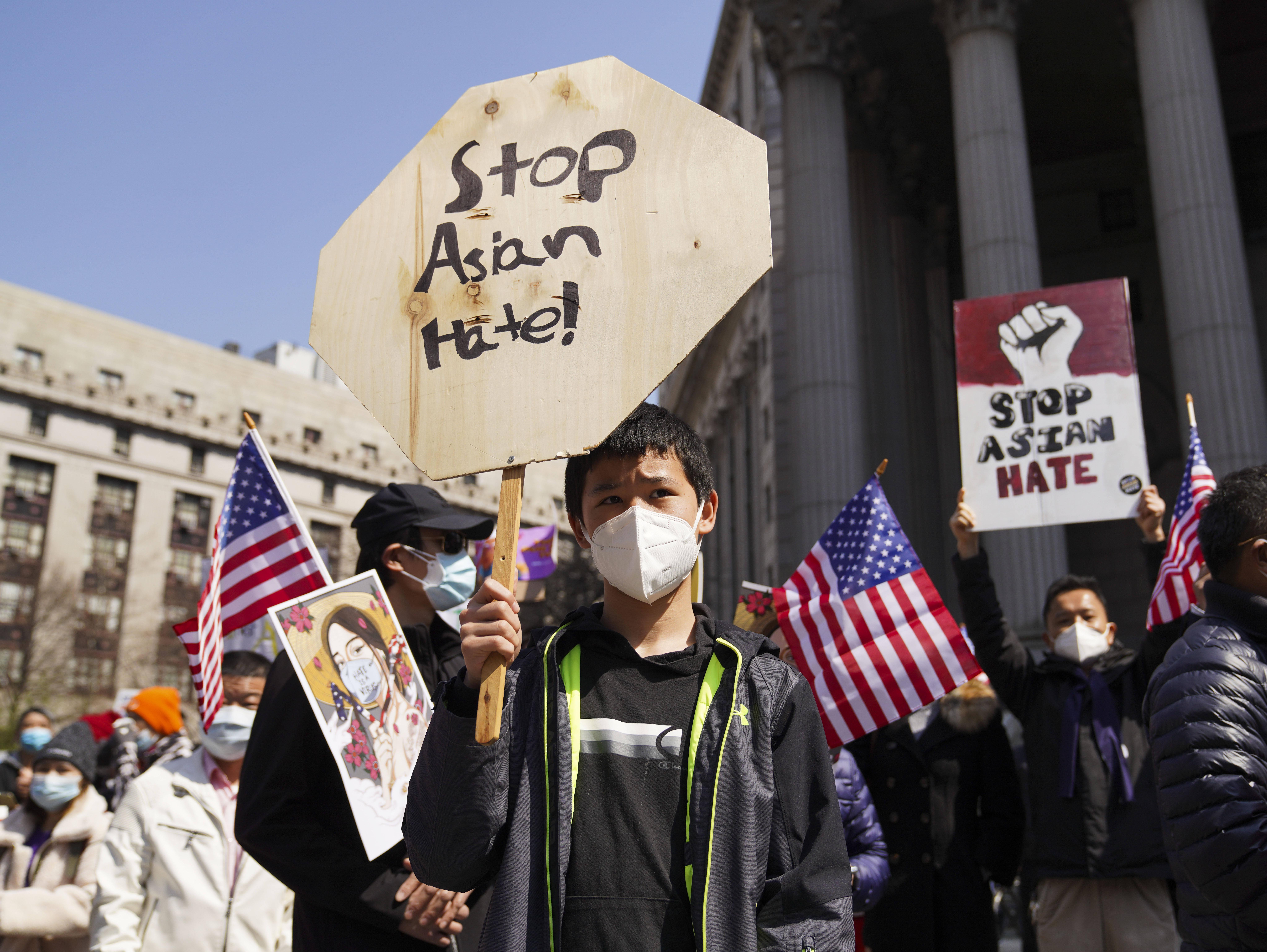 纽约举行反亚裔仇恨大型集会