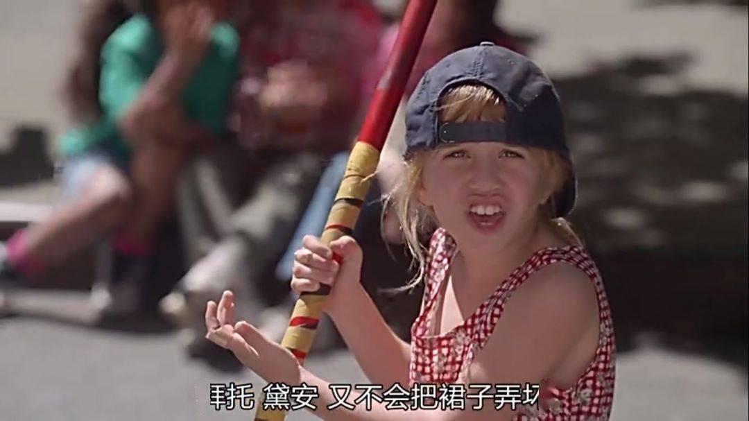 """吴京儿子""""喜欢粉色""""难为情:姥姥一番话,被全网狂赞""""好酷的隔代教育""""!"""