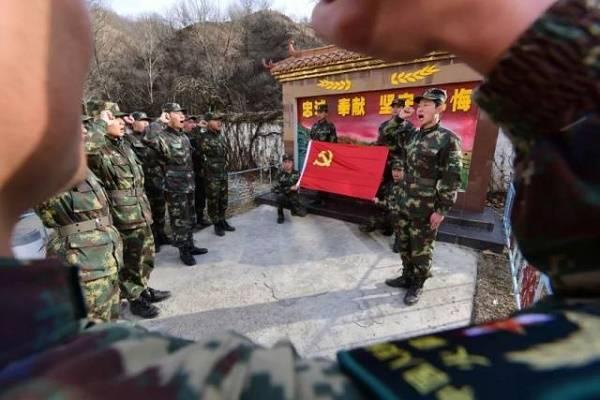央广《军旅文学之窗》| 大山中,那个守导弹的兵