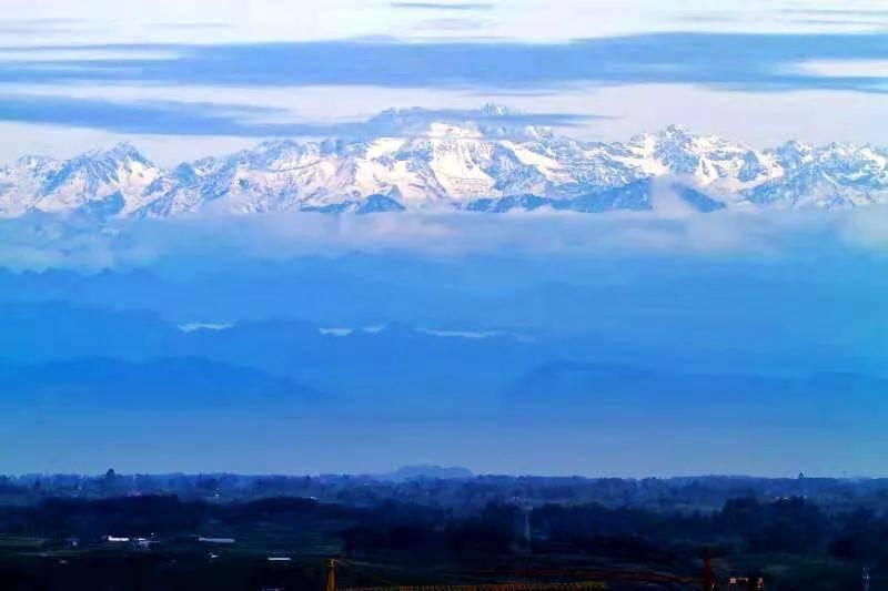 刷屏!今日蒲江又见绝美雪山