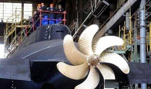 我国造出世界最大船用螺旋桨,4层楼高重480吨(图1)