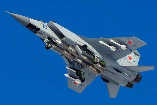 """俄米格-31""""左右开弓"""":巴伦支海拦截北约军机,"""