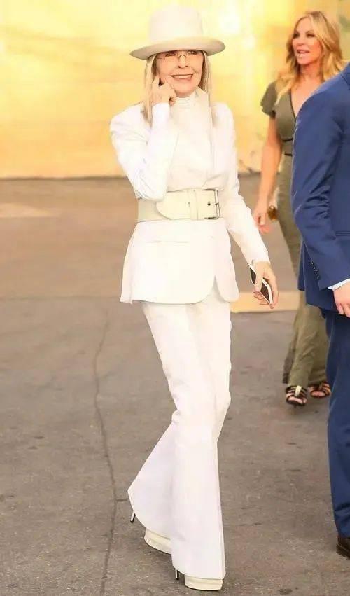 衣品||75岁还是最酷的女神 如何穿成戴安·基顿? 爸爸 第36张