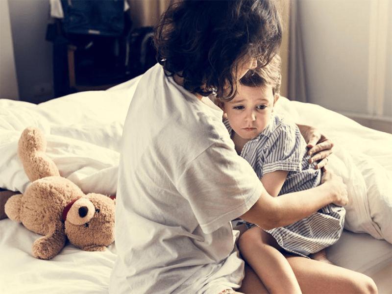 """当孩子出现""""脾气大、胆子小、哭闹""""等行为时 家长该怎么做?-家庭网"""