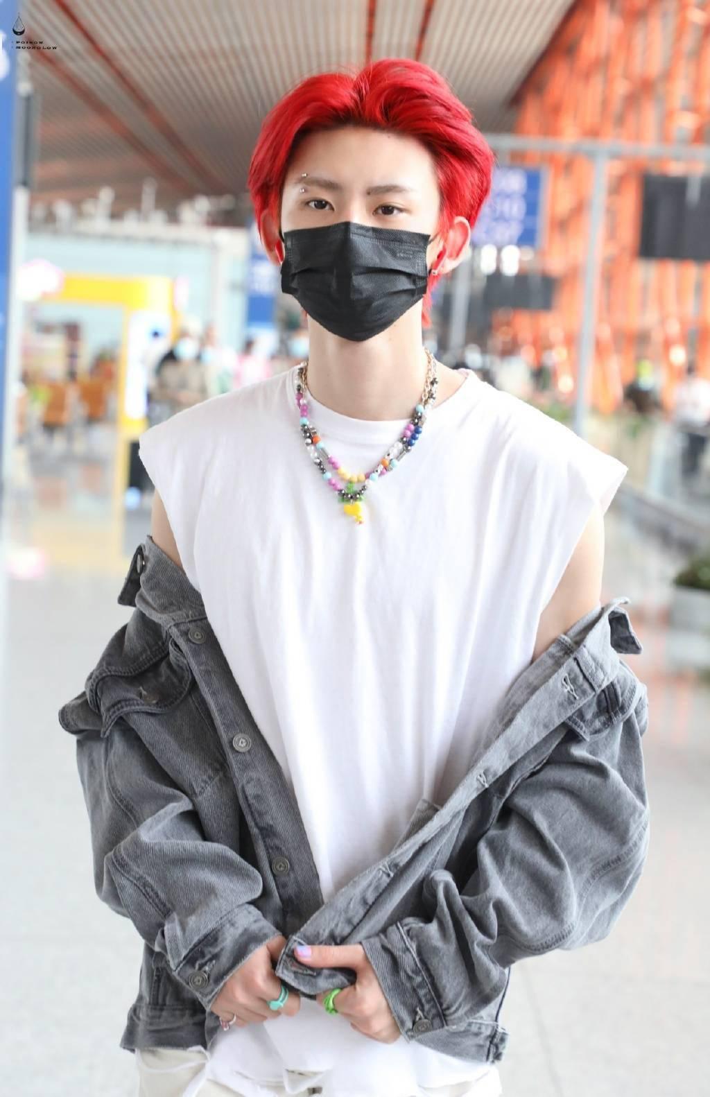 小鬼現身北京機場出發飛往鄭州 22歲酷蓋的第一飛順利起航!