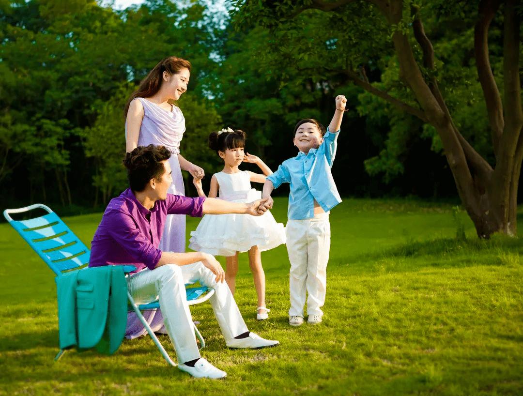 梦见一张全家福的照片是什么预兆? 梦见和家人照全家福