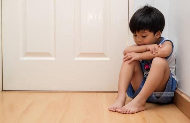 """""""新型冷暴力""""正在幼儿园蔓延 孩子面临崩溃 父母完全没察觉-家庭网"""