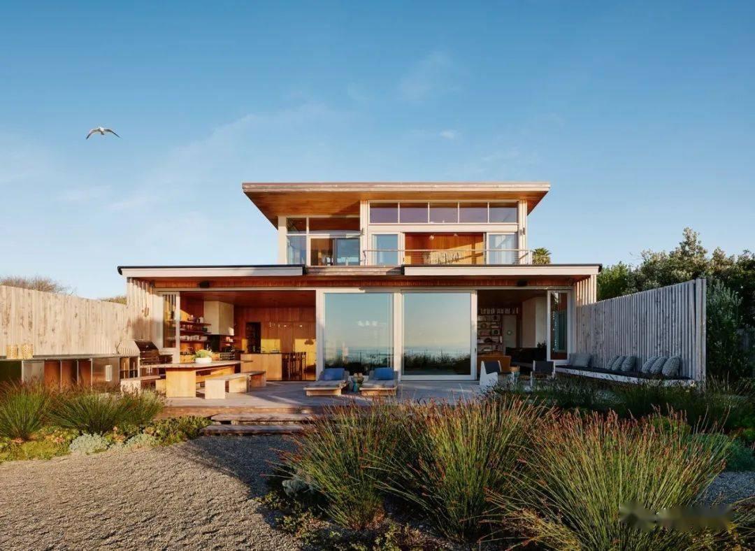 冲浪者之家,内敛低调的木屋住宅