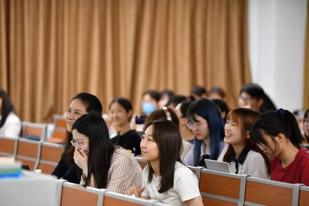 新闻日语学院举办2021年团总支、学生会部长团换届选举大会