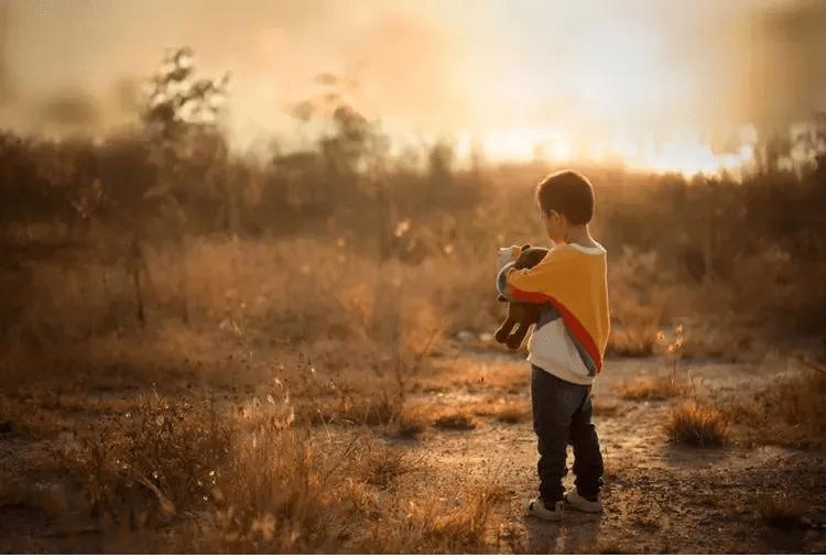 一个孩子最大的不幸,就是幼无所依