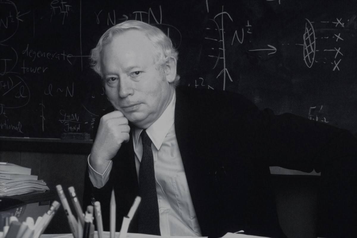 88岁诺奖得主物理学大师温伯格去世,生前求索宇宙终极理论