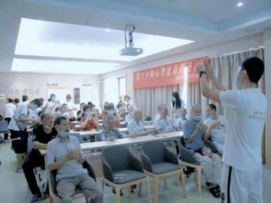"""温州瓯海开展""""青年助力银龄跨越数字鸿沟""""系列活动"""