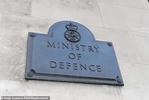 英下议院报告:英军58%女军人在军中遭遇欺凌、性侵或歧视rzq