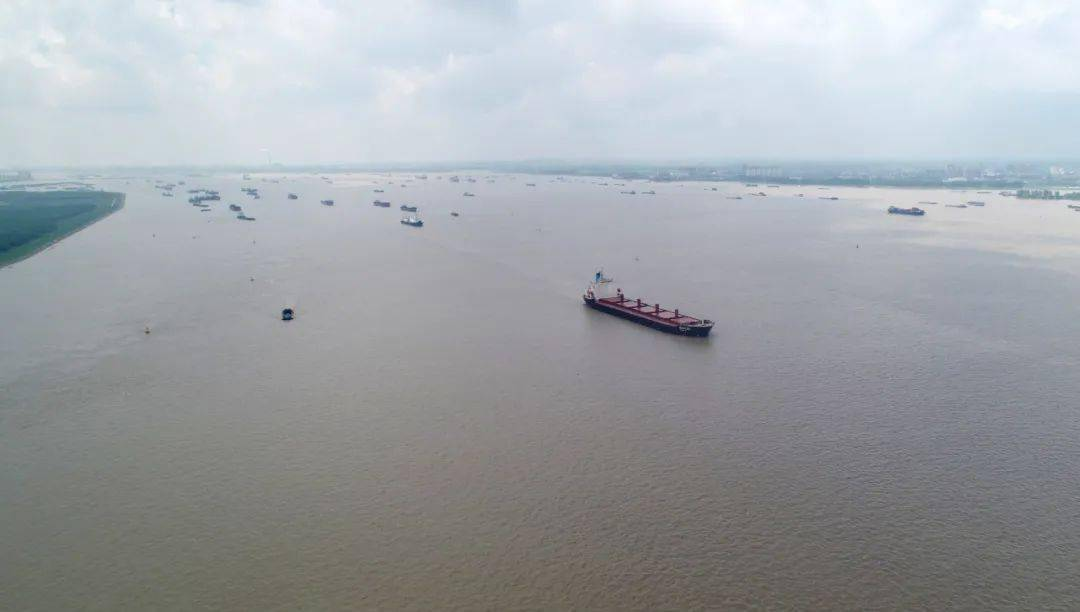 泰州海事局多措并举,疏导台风过后高峰船流