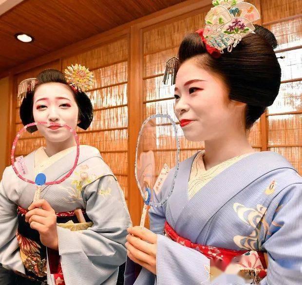 走向消亡的京都艺伎:失业、退圈、在线接客