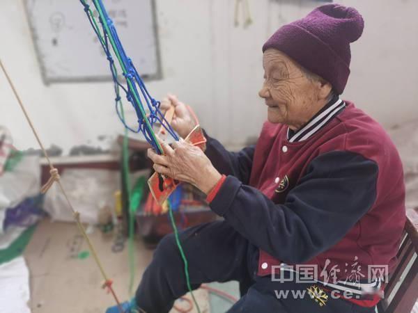 """【母亲河畔的中国】足不出户奔小康,南北李村有两张""""网"""""""